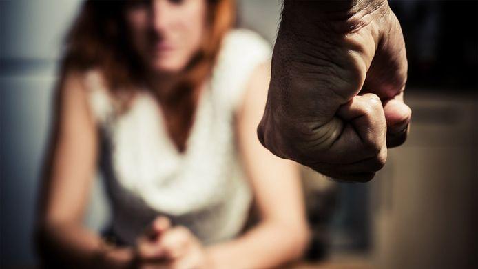 Twee jaar lang bedreigde een man uit Eersel zijn Eindhovense vriendin met de meest vreselijke bewoordingen. Een echt moordplan vindt de rechtbank echter niet bewezen.
