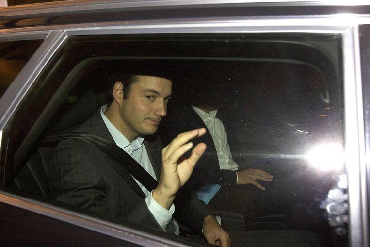 Alexander De Croo, in 2011 partij-voorzitter van Open Vld, verlaat de regeringsonderhandelingen. Beeld BELGA