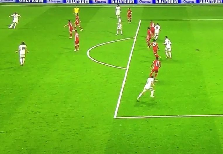 Vlak voor hij er 2-2 van maakte, vertrok Ronaldo vanuit buitenspelpositie.