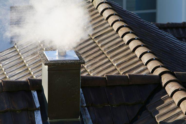 """""""Maar liefst 41% van dat fijnstof is afkomstig van onze verwarmingsinstallaties, voornamelijk van kachels en haarden. Meer nog: iedereen binnen een straal van 200 meter van je woning ademt fijnstof in."""""""
