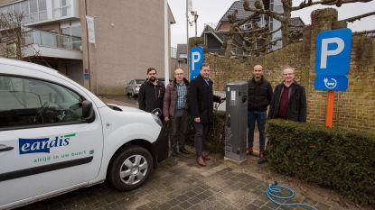 Eerste drie laadpalen voor elektrische wagens