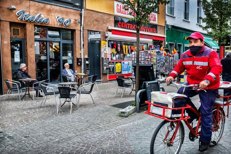 In het Antwerpse café Italia '90 werd op 18 april 1995 Zoran Cokrev neergeschoten. De ontdekte vingerafdruk op het bierflesje waaruit de moordenaar had gedronken, werd later gelinkt aan de nu veroordeelde Goran C. Beeld Tim Dirven