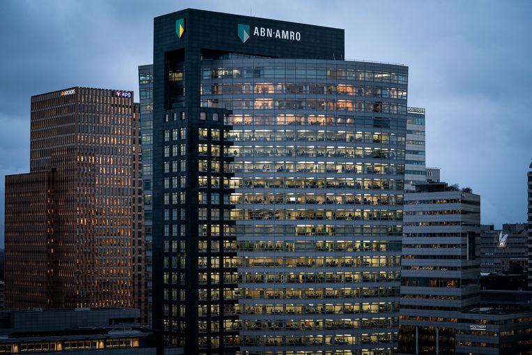 Vrijwel alle grote Nederlandse banken blijven winst maken. Alleen ABN Amro schrijft rode cijfers.  Beeld Bloomberg via Getty Images