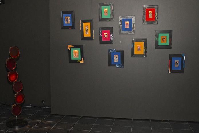 In de nieuwe tentoonstelling is er onder meer glaswerk te zien.