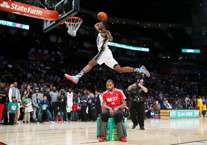 9694a02c0eee Jeremy Evans in actie tijdens de Dunk Contest in het NBA All-Star Weekend.