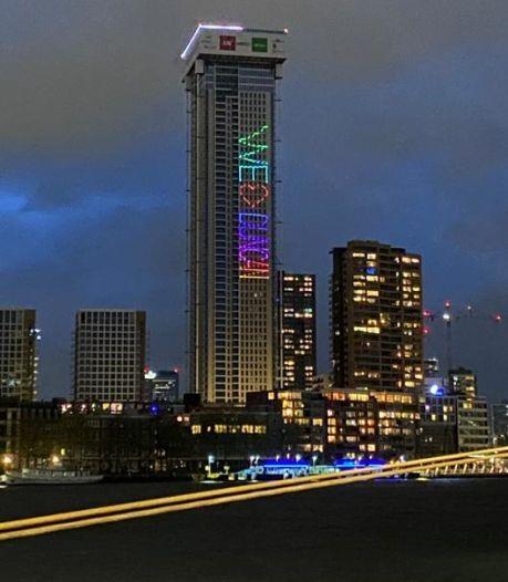 Duncan Laurence sprakeloos na eerbetoon op Rotterdamse toren