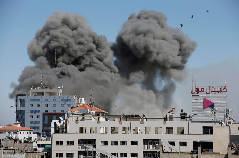 Een raketinslag in Gaza-stad op 15 mei 2021.