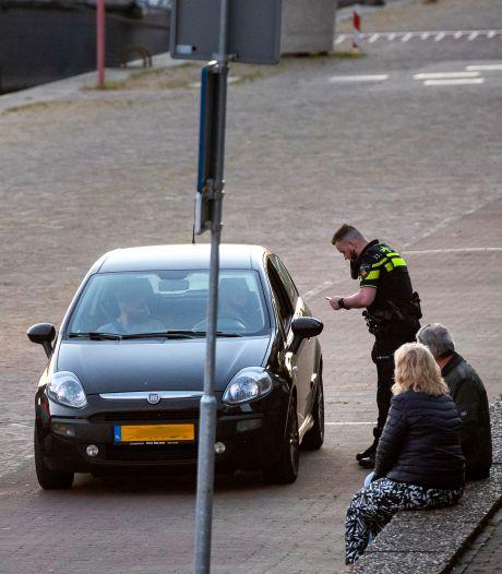 Tijdelijk parkeerverbod tegen overlast racers Rijnkade in Arnhem