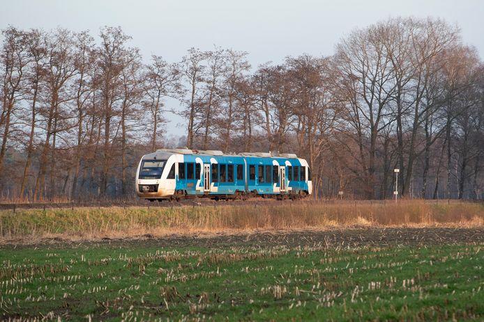 Het vervuilende dieseltje tussen Zutphen en Oldenzaal maakt uiterlijk 2026 plaats voor een elektrische trein