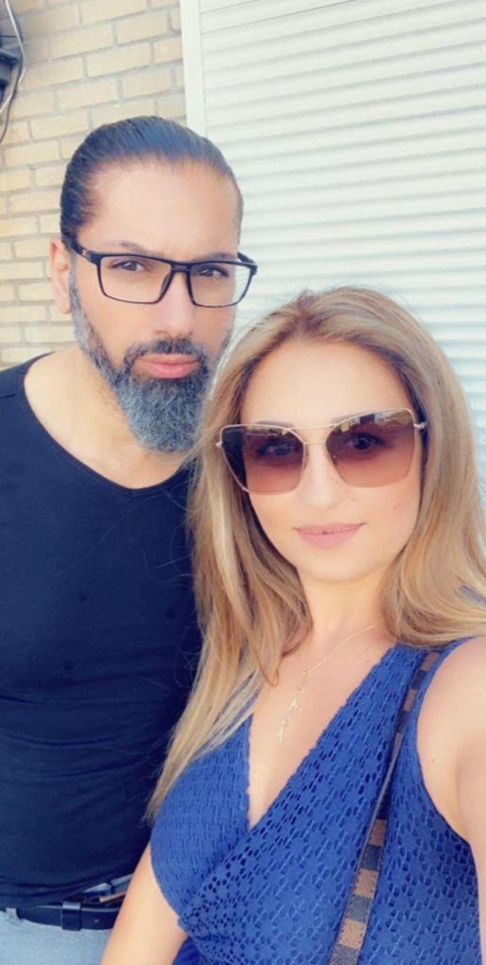 Het Vlissingse paar Khalid Arnous en Dana Hamdar zijn van Libanese komaf. Het is enorm geschrokken van wat de explosie in Beiroet heeft aangericht.