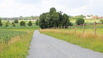 Veertien buurt- en voetwegen worden verhard met steenslag