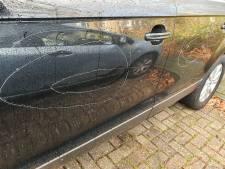 De vijf dagen oude Audi Q7 van Gert uit Amersfoort zit 's morgens ineens vol krassen