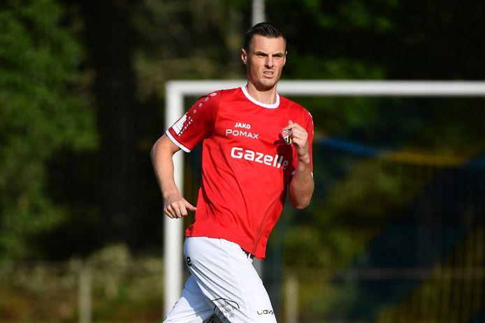 Koen Weuts ontzette de bal op de doellijn, na een inzet van Mathieu Troonbeeckx.