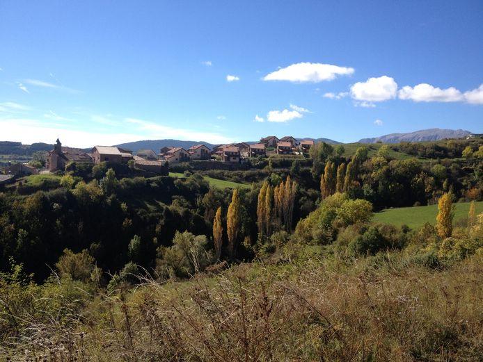 Het gehucht Neril in de Spaanse Pyreneeën, waar Christien van den Berg woont.