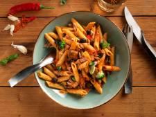Wat Eten We Vandaag: Penne Puttanesca met broccoli en tonijn