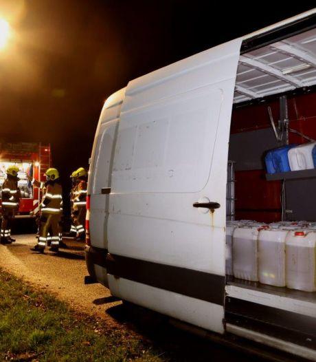 Gestolen pinpas leidt naar bestelbus vol jerrycans diesel in Gameren, bestuurder aangehouden