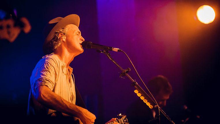 Met wat medicatie en een dag platte rust herstelt de stem van de frontman tegen het concert in Antwerpen volgende week volledig. Beeld GETTY