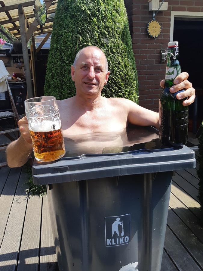 Jos Rams neemt een biertje