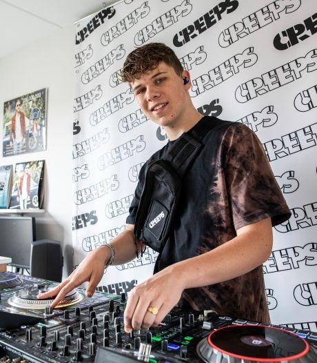 Stefan (17) maakt carrière als deejay: 'Zonder mijn ouders was ik nog niet zo ver geweest'