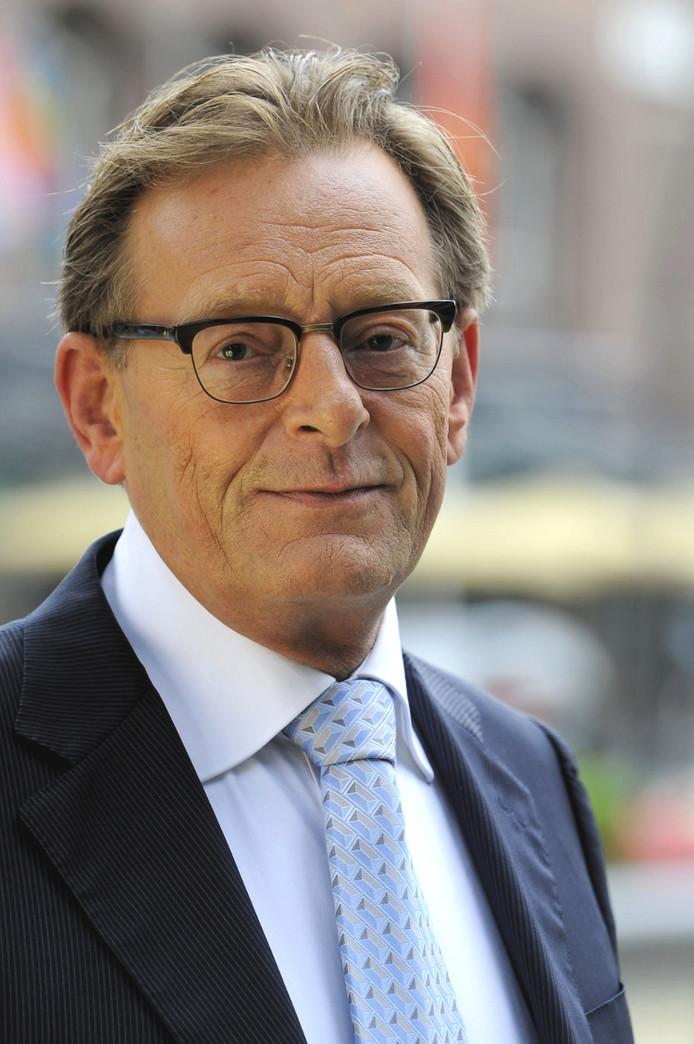 Burgemeester Koos Janssen blijft zes jaar langer in Zeist.