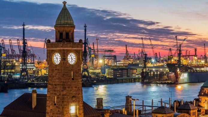 In Hamburg, de derde grootste haven van Europa, wordt op dit moment de serie 'You' opgenomen.