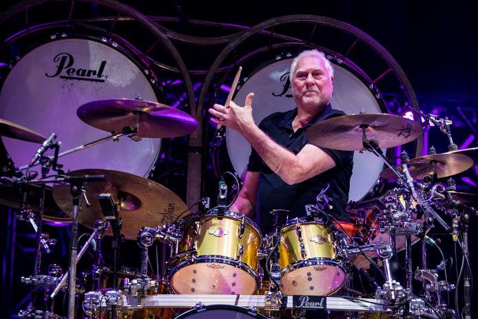 2019-11-16 21:12:12 ROTTERDAM - Drummer Cesar Zuiderwijk van de Haagse rockband Golden Earring tijdens hun concert in Ahoy. ANP KIPPA PAUL BERGEN