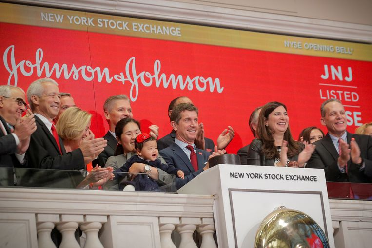 Alex Gorsky, topman van Johnson & Johnson (het moederbedrijf van vaccinfabrikant Janssen), ligt onder vuur na een mega-bonus van 25 miljoen euro. Beeld Reuters