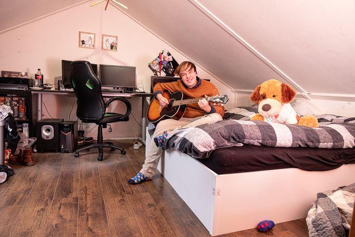 Melt Pels (26) heeft na een lange zoektocht zijn zolderkamer bij zijn ouders thuis nog altijd niet kunnen verruilen voor zijn eigen appartement in Amersfoort.