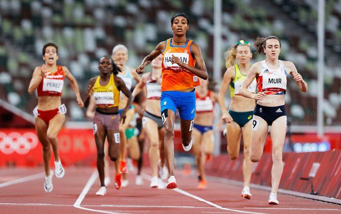 Sifan Hassan is veruit de beste in haar halve finale op de 1500 meter.