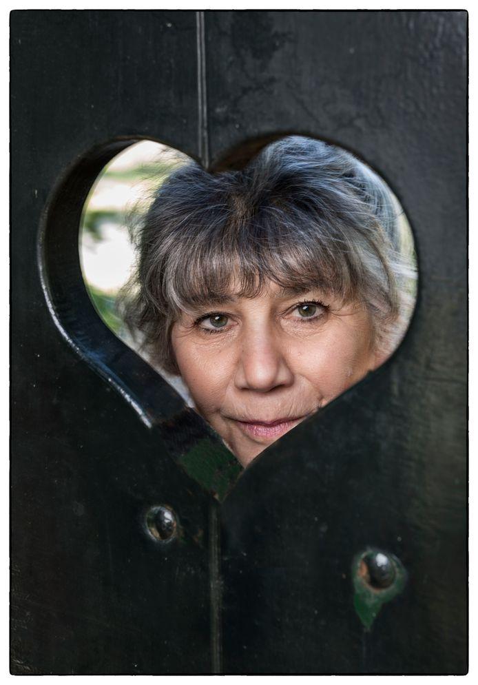 Hella de Jonge: ,,In Nederland overlijden 57 vrouwen per dag aan hartfalen. Niet zelden door slordigheid, door verkeerde diagnoses. Meer dan mannen.''