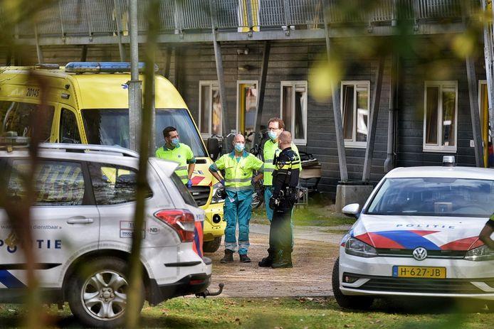 Agenten en ambulancepersoneel kwamen donderdag op een vechtpartij op het asielzoekerscentrum in Oisterwijk af.
