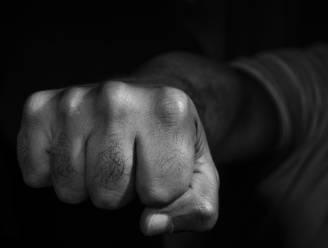 Werkstraf voor Zottegemnaar (22) die slachtoffer kaakbreuk slaat op café