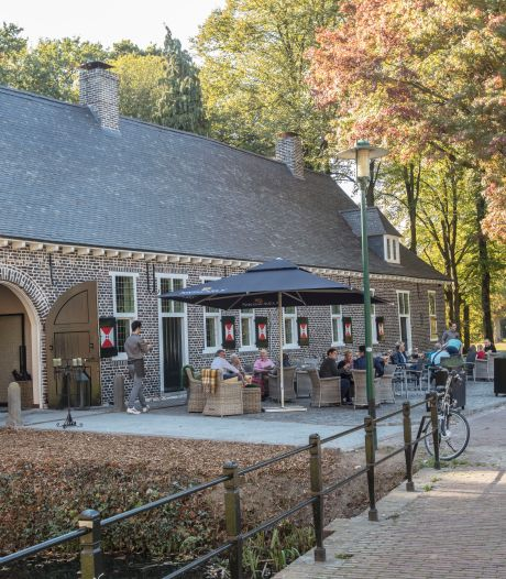 Buren restaurant Dinghuis Deurne: 'Zaak en terras moeten eerder dicht'