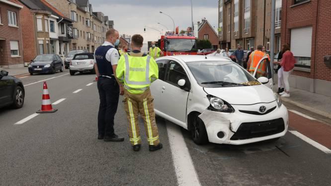 Bestuurster lichtgewond bij ongeval tijdens manoeuvre in Stationsstraat