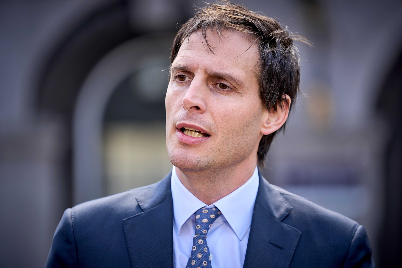 Minister Wopke Hoekstra krijgt een bak kritiek van de Tweede Kamer. Zijn toezicht op staatsuitgaven was ondermaats, vindt een deel van de Tweede Kamer.