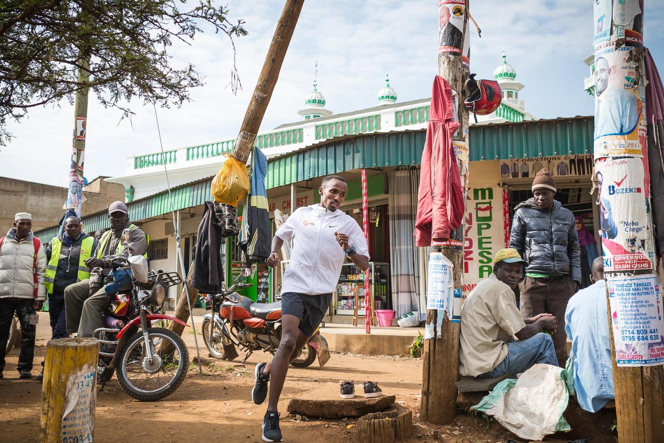 Abdi Nageeye traint en woont al jaren op hoogte in  Kenia.