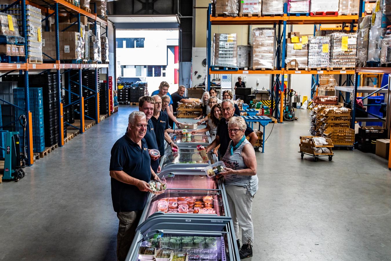 Vrijwilligers van de voedselbank in Deventer.