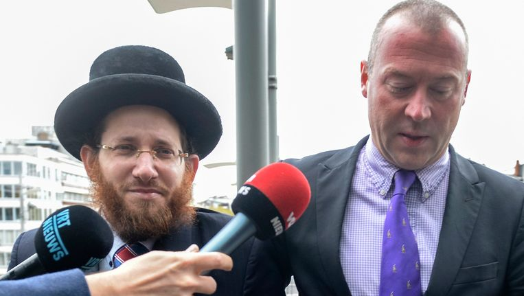 Dimitri Bontinck en de omstreden rabbijn Moshe Aryeh Friedman. Beeld PHOTO_NEWS