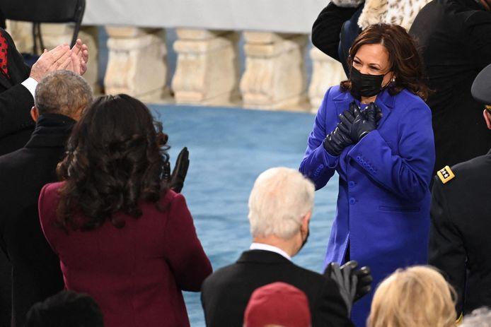 Kamala Harris et Michelle Obama (de dos)