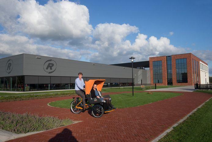 Fietsenfabrikant Van Raam is een voorbeeld voor bedrijven op het nieuwe terrein Het VIP. Van Raam heeft een hypermoderne duurzame fabriek op het naastgelegen Hofskamp Oost II.