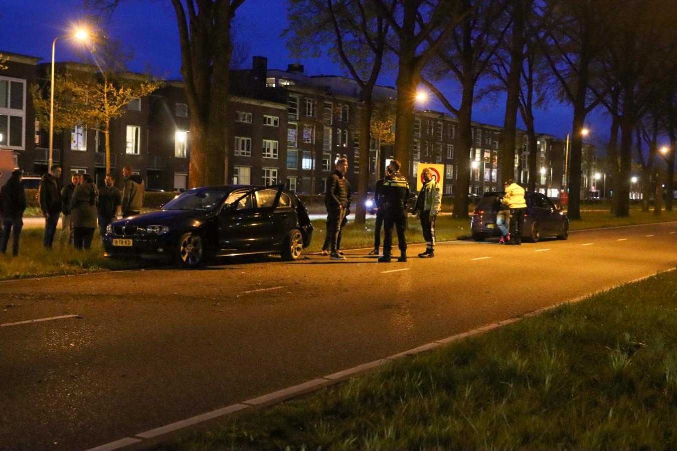 Poltieagenten bekijken wat er gebeurd is.