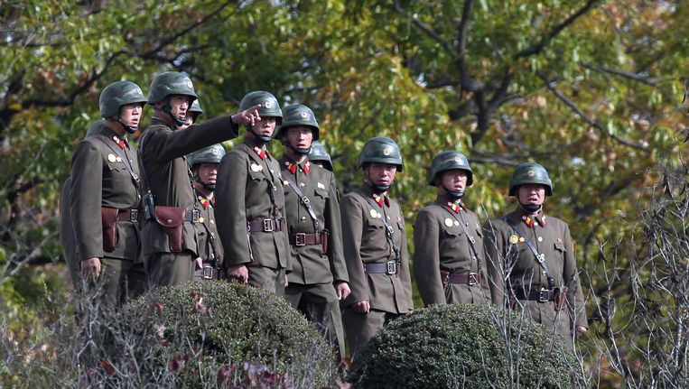 Noord-Koreaanse militairen bij de grens met Zuid-Korea Beeld afp