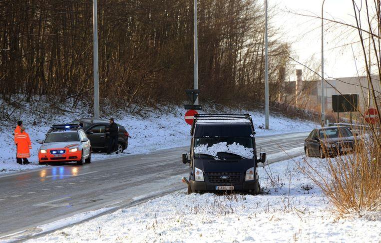 Drie wagens botsten op de afrit Winksele op de E314 richting Lummen. De afrit werd een tijdlang afgesloten.
