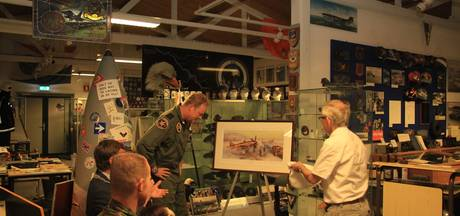 Vliegbasis Volkel viert 25 jaar 'Traditiekamer Typhoon'