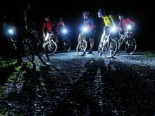 Mountainbiken in het donker op de Heuvelrug? Mag niet...daar schrikken de dieren van