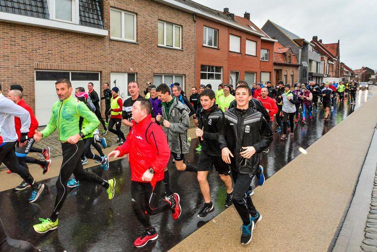 Ondanks de barre weersomstandigheden lokte de traditionele Sylvesterjogging een groot deelnemersveld.