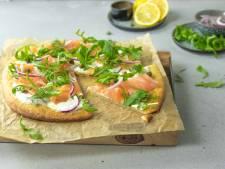 Wat Eten We Vandaag: Bloemkoolpizza met gerookte zalm en citroencrème