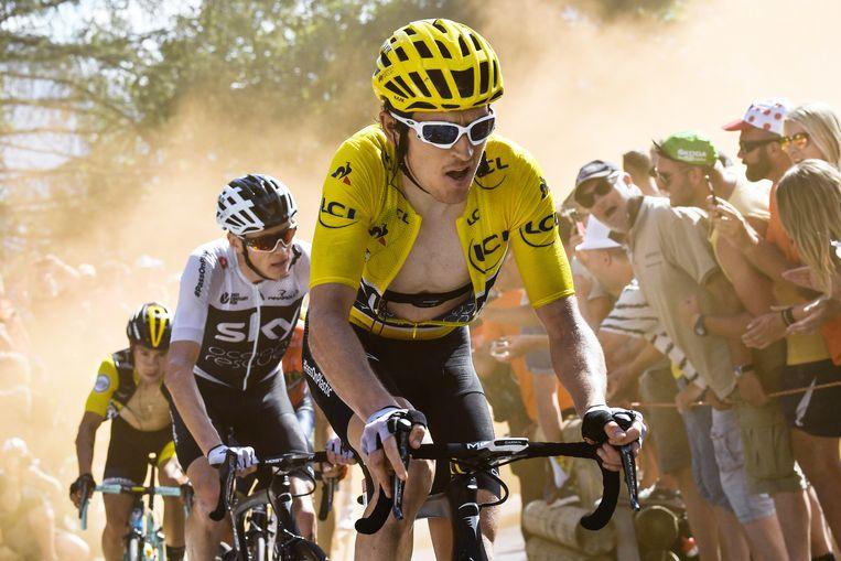 Geraint Thomas in het geel in 2018, gevolgd door Chris Froome. Beeld Getty Images