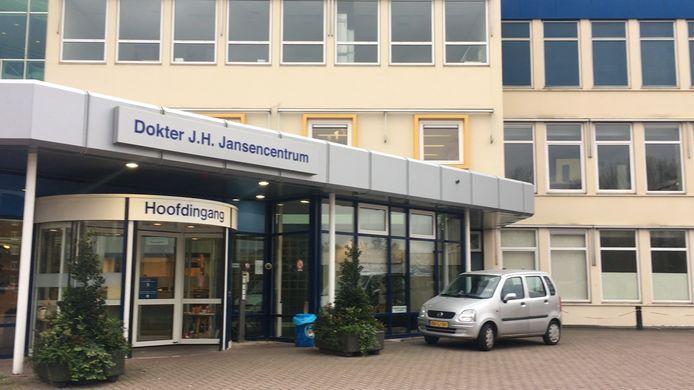 De polikliniek in Emmeloord is per direct gesloten/