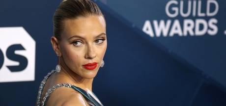 """Scarlett Johansson dénonce """"les remarques sexistes à la limite du harcèlement"""" de journalistes membres de la HFPA"""